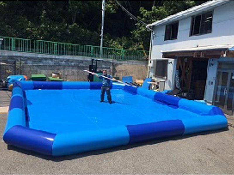 大きなプール