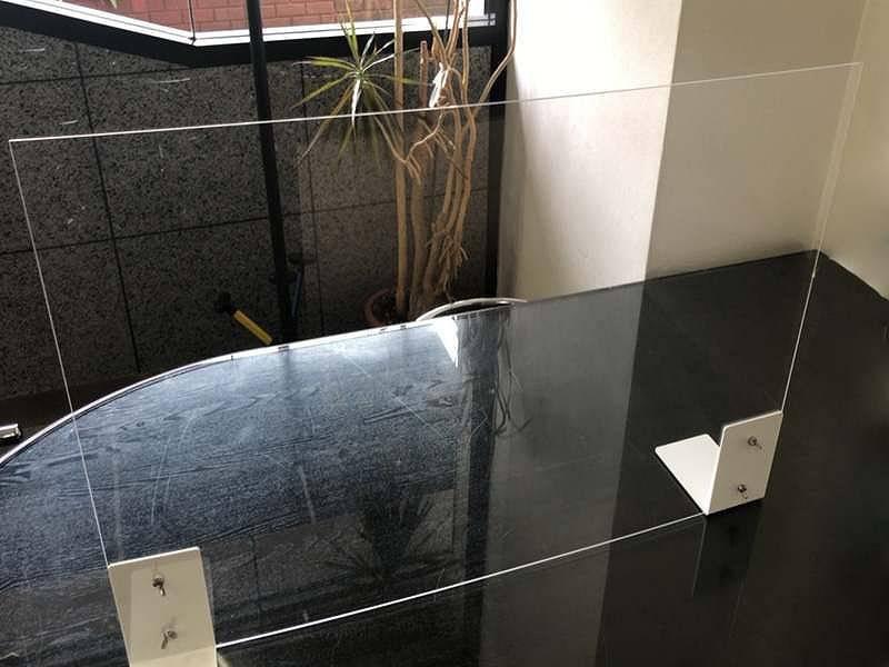 廉価版コロナ飛沫防止対面ガラス風アクリルパーテーション レンタル