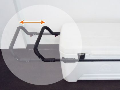 車輪付き保冷箱 取っ手は、キャリーカートのように伸縮自在です。一番持ちやすい長さでどうぞ!